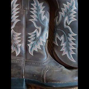 Make OFFER Sz 7 1/2 women's ARIAT cowboy boots EUC